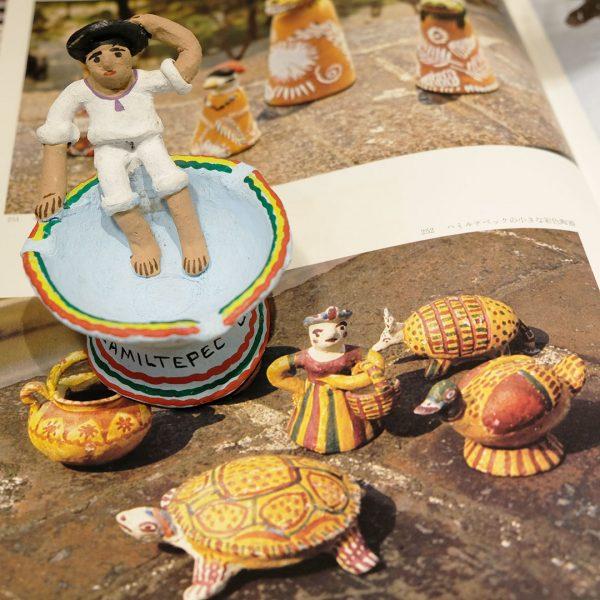 ハミルテペックの小さな彩色陶器 利根山光人 メキシコの民芸