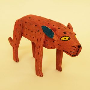 180212-01-wood-carving-red-dog-2