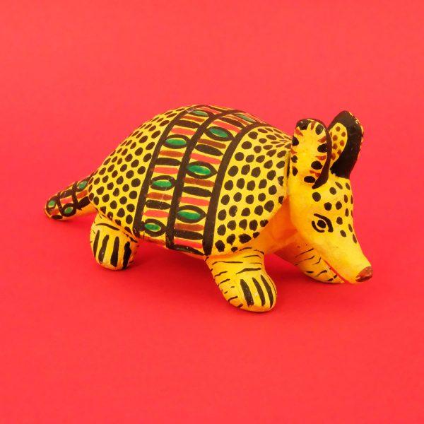 ハミルテペック 彩色陶器 土人形 アルマジロ