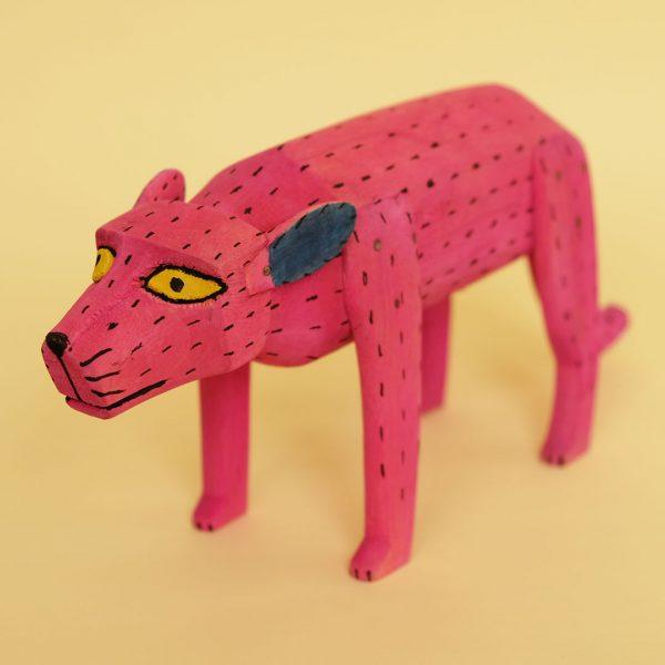 ピンク犬 置物